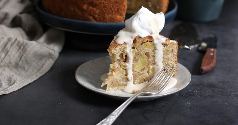 St. Patrick's Day Irish Apple Cake | Bake to the roots