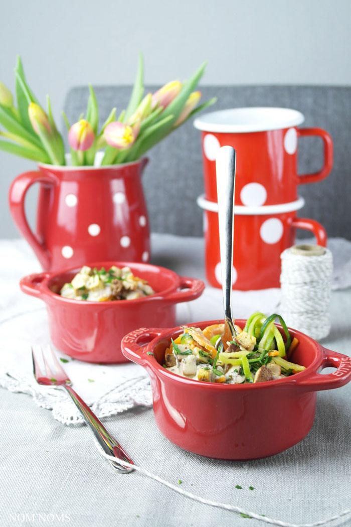 Gemüse-Spaghetti mit veganer Carbonara   Nom Noms Food