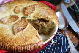 Rhubarb Apple Pie | Bake to the roots