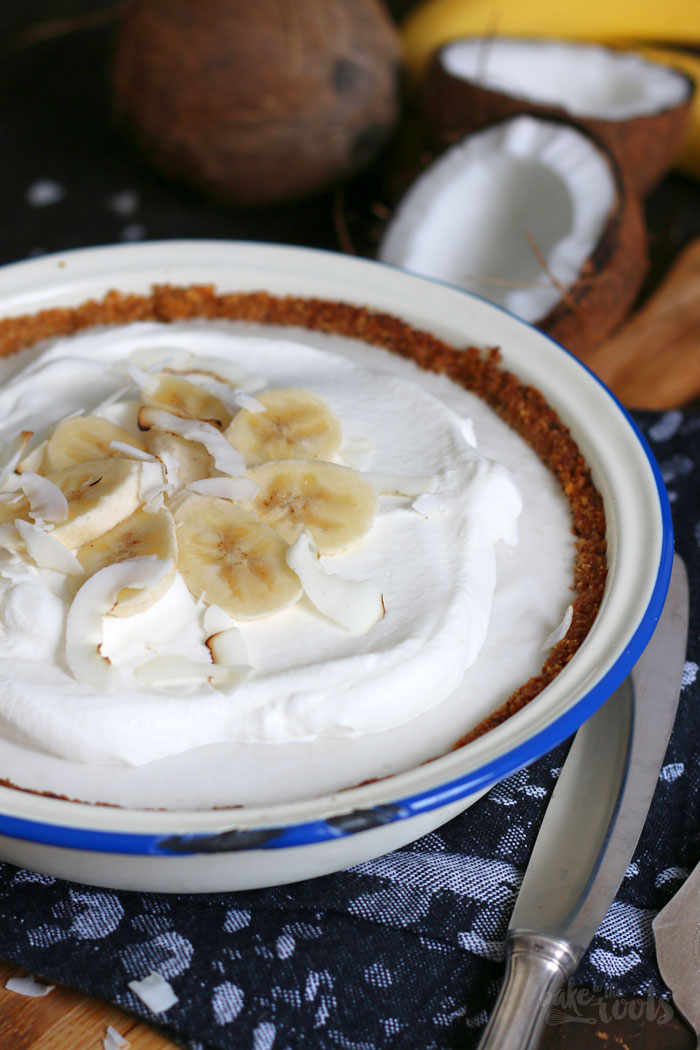 Vegan Coconut Banana Cream Pie | Bake to the roots