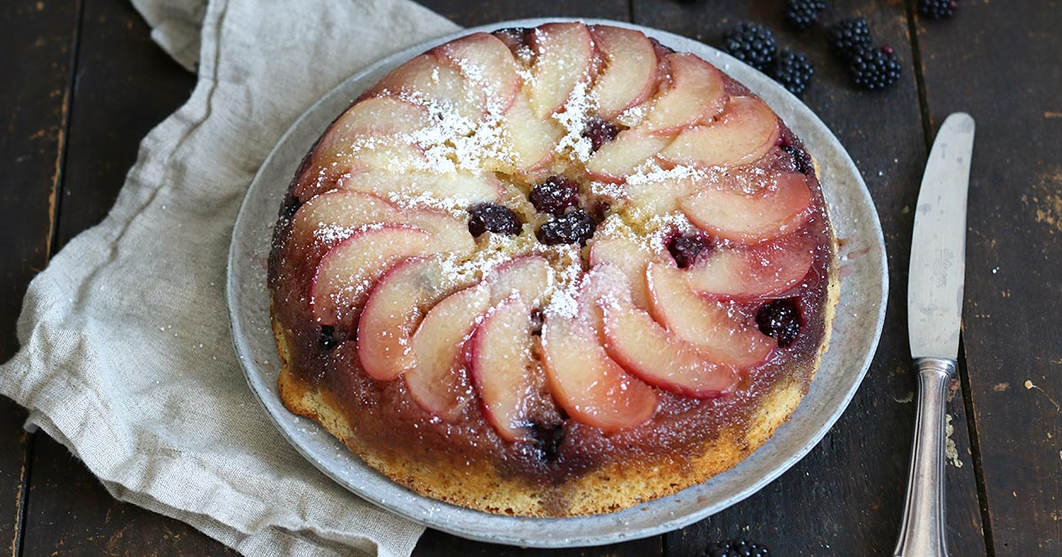 Pfirsich Brombeere Upside Down Kuchen | Bake to the roots